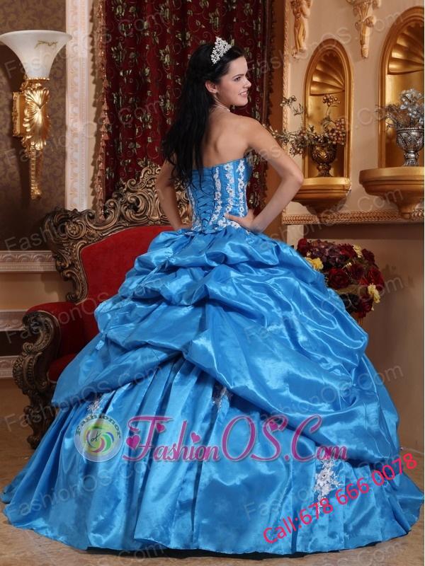 Elegant Baby Blue Quinceanera Dress Strapless Taffeta Appliques Ball Gown