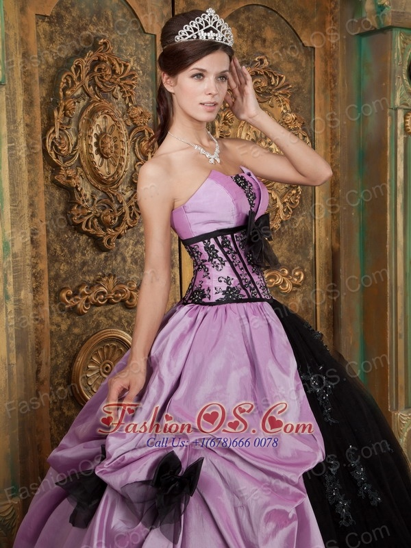 Lovely Lavender and Black Quinceanera Dress Strapless Taffeta Appliques Ball Gown