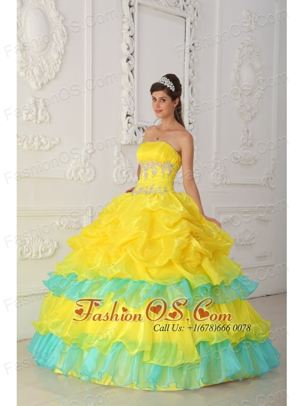 Luxurious Yellow Quinceanera Dress Strapless Organza Beading and Ruffles Ball Gown