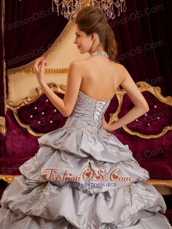 Romantic Gray Quinceanera Dress Halter Taffeta Appliques Ball Gown