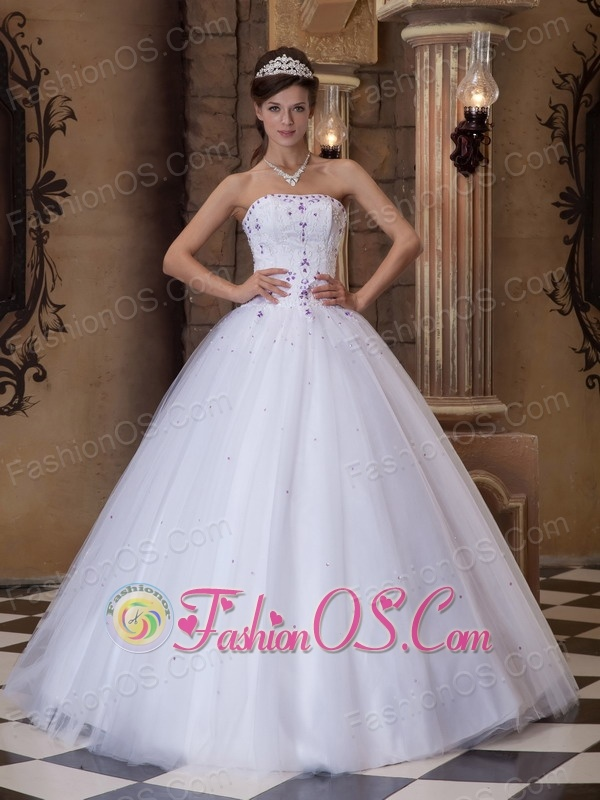 Romantic White Quinceanera Dress Strapless Satin and Tulle Embroidery Ball Gown