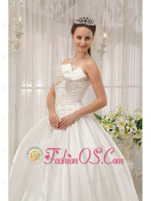 The Most Popular White Quinceanera Dress Strapless Taffeta Beading Ball Gown