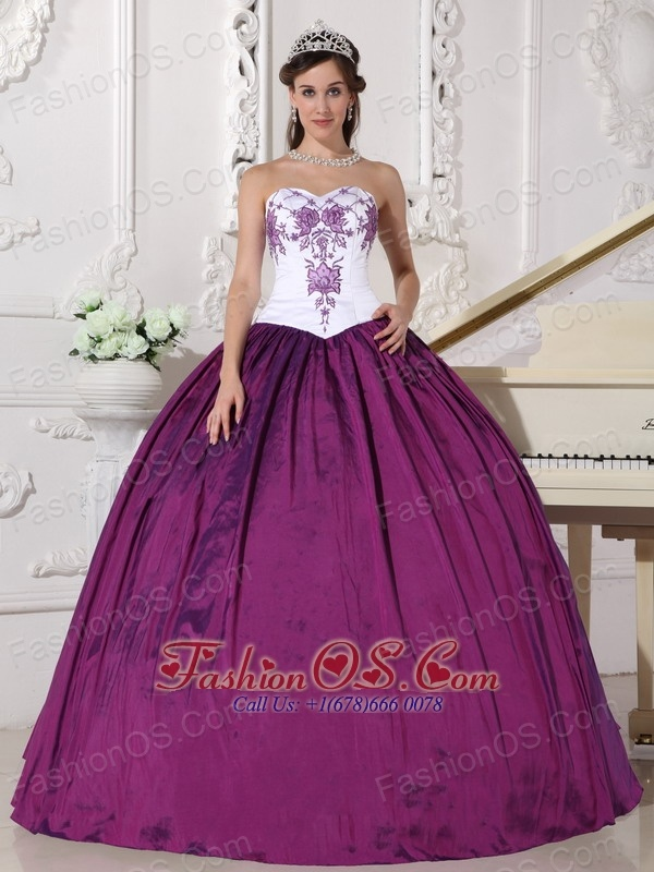 Affordable White and Dark Purple Quinceanera Dress Sweetheart Taffeta Embroidery Ball Gown