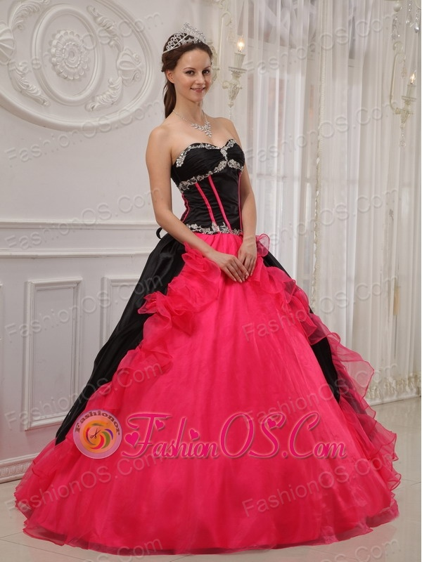 Beautiful Red and Black Quinceanera Dress Sweetheart Satin and Organza Appliques Ball Gown