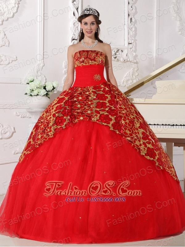 Beautiful Red Quinceanera Dress Strapless Tulle Beading and Ruch Ball Gown