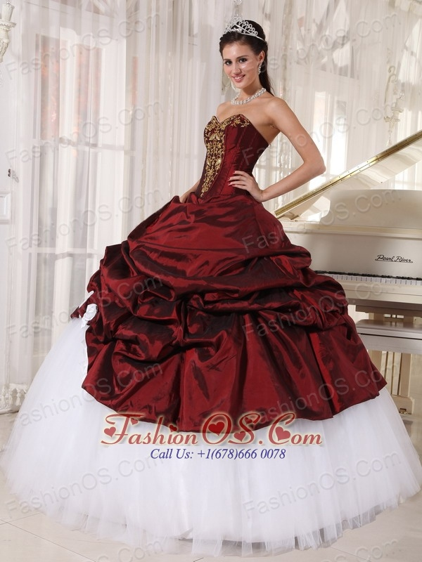 Best Burgundy and White Quinceanera Dress Sweetheart Taffeta and Tulle Appliques Ball Gown