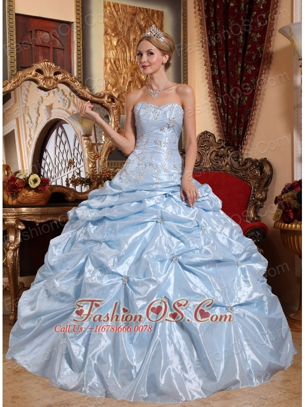 Discount Baby Blue Sweet 16 Dress Sweetheart Taffeta Embroidery with Beading Ball Gown