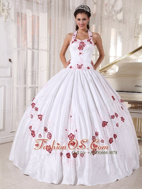 Fashionable White Quinceanera Dress Halter Taffeta  Embroidery Ball Gown