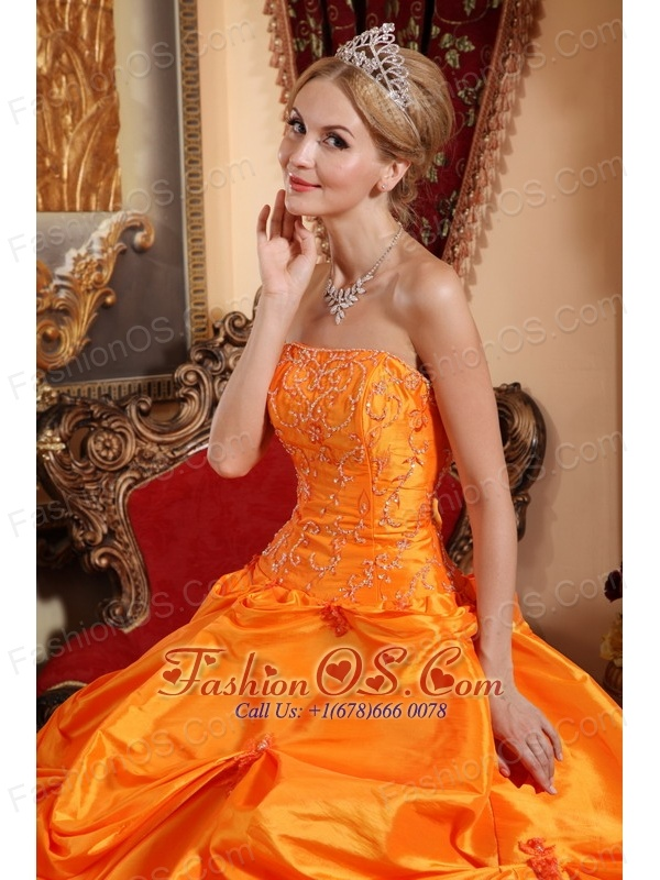 Gorgeous Orange Red Quinceanera Dress Strapless Taffeta Beading Ball Gown