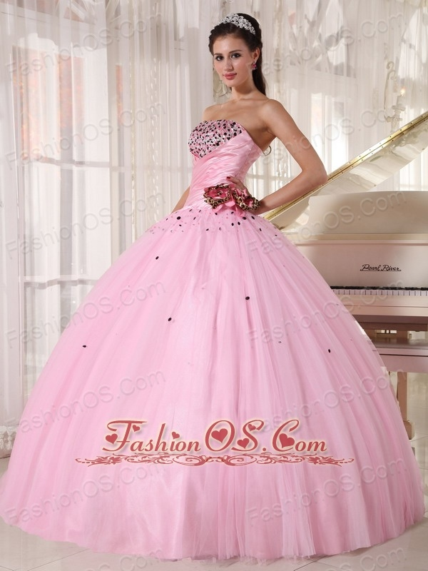 Luxurious Baby Pink Quinceanera Dress Strapless Tulle Beading and Ruch Ball Gown