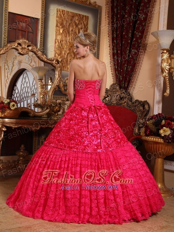 Luxurious Red Quinceanera Dress Strapless Fabric With Roling Flowers Beading A-line