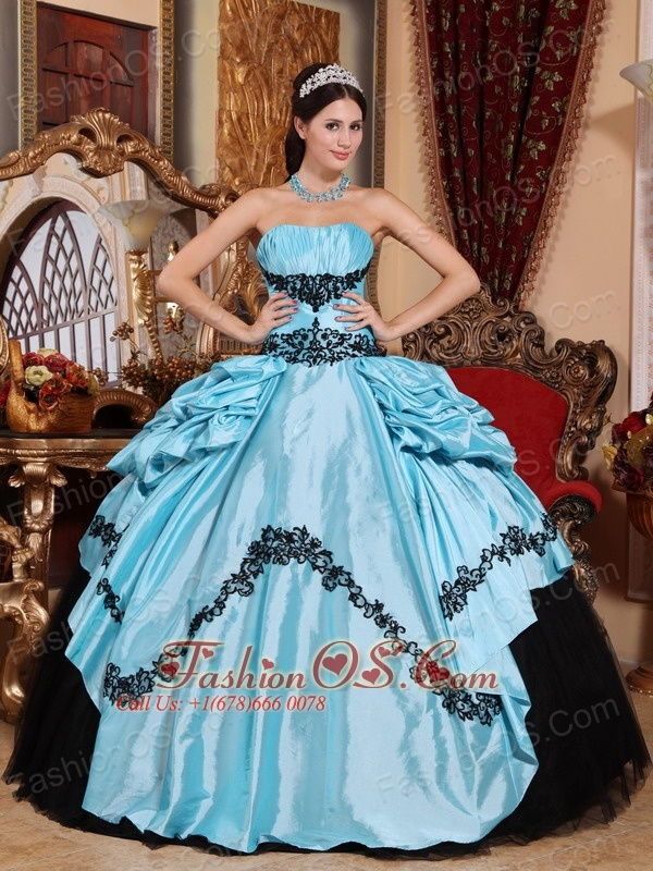 Simpel Baby Blue and Black Sweet 16 Dress Strapless Taffeta Appliques Ball Gown