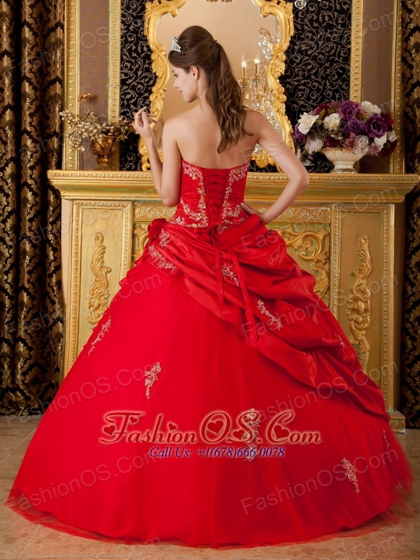 Vintage Red Sweet 16 Dress Sweetheart Taffeta Appliques Ball Gown