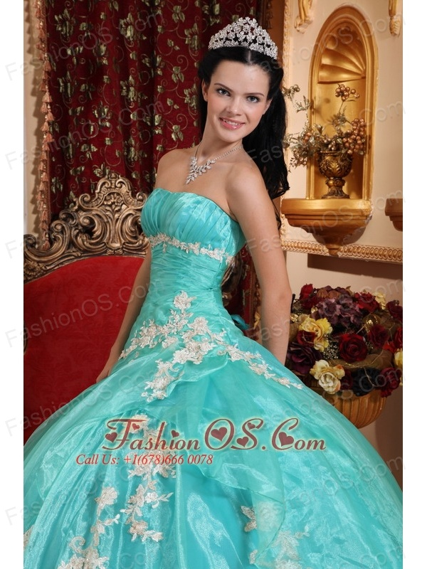 Beautiful  Quinceanera Dress Strapless Organza Appliques Ball Gown