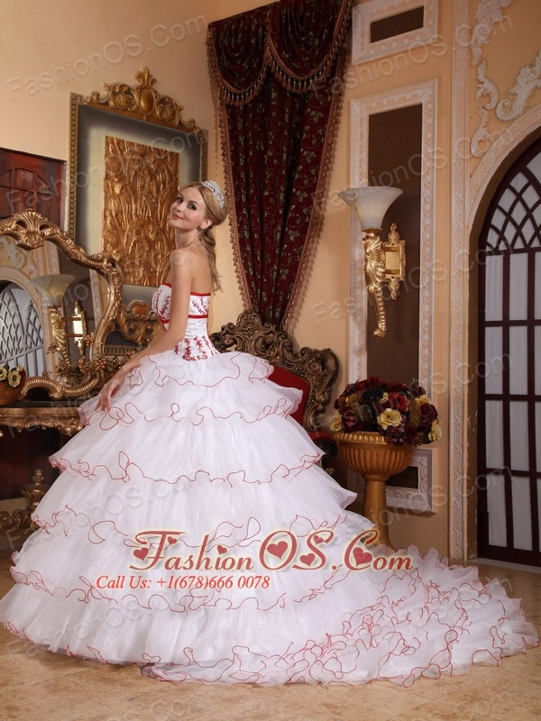 Fashionable White Quinceanera Dress Strapless Detachable Brush Train Organza Appliques Ball Gown