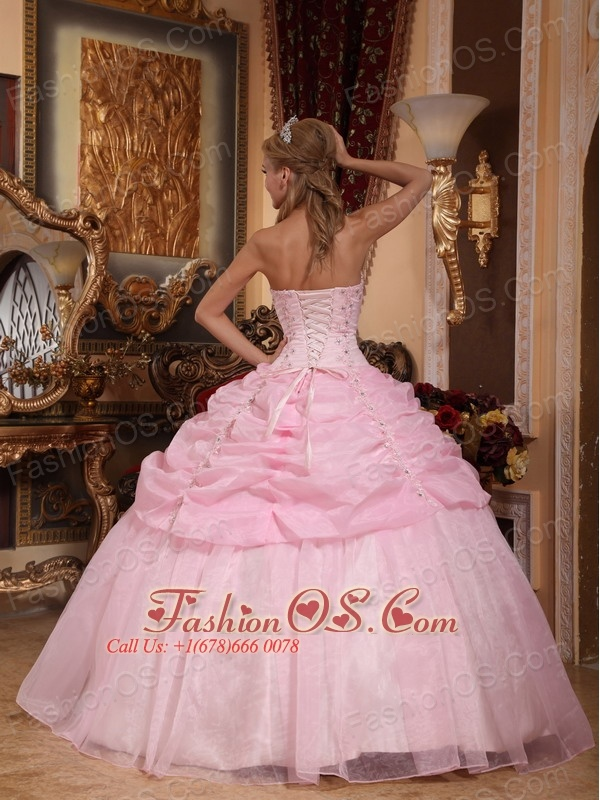 Gorgeous Baby Pink Quinceanera Dress Strapless Organza Appliques Ball Gown