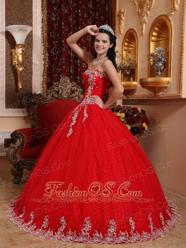 Inexpensive Red Quinceanera Dress Strapless Tulle Lace Appliques Ball Gown