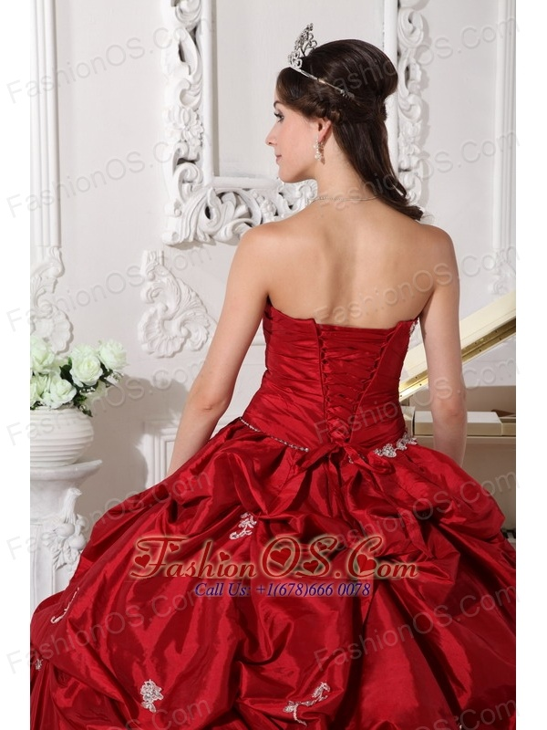 Low price Wine Red Quinceanera Dress Sweetheart Taffeta Beading Ball Gown