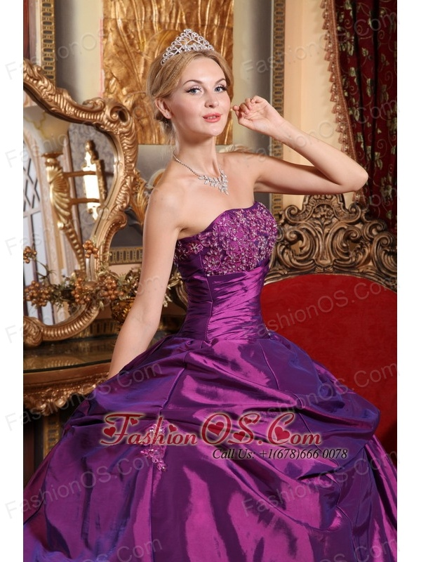 Popular Eggplant Purple Sweet 16 Dress Strapless Taffeta Beading and Appliques Ball Gown