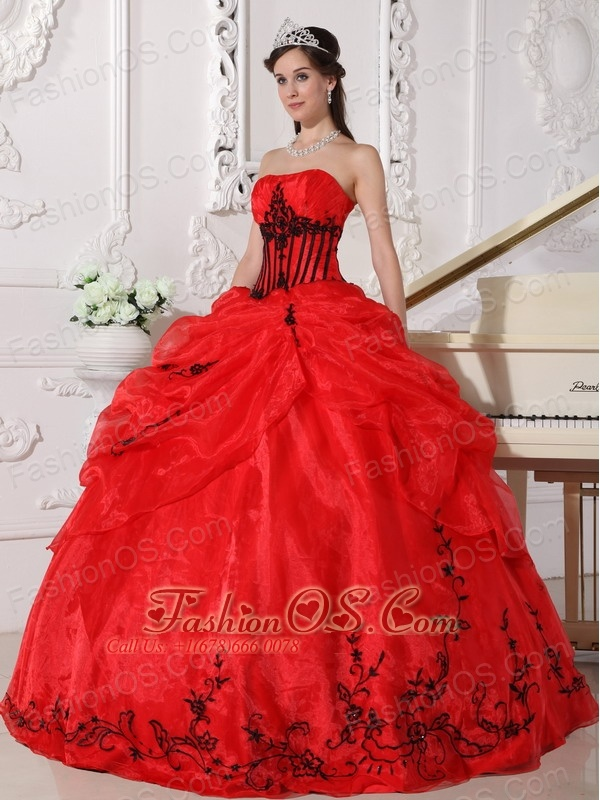 Beautiful Red And Black Quinceanera Dress Strapless Floor Length Organza Liques Ball Gown