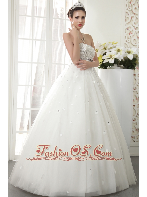 Modest A-line / Princess Strapless Floor-length Tulle Beading Wedding Dress