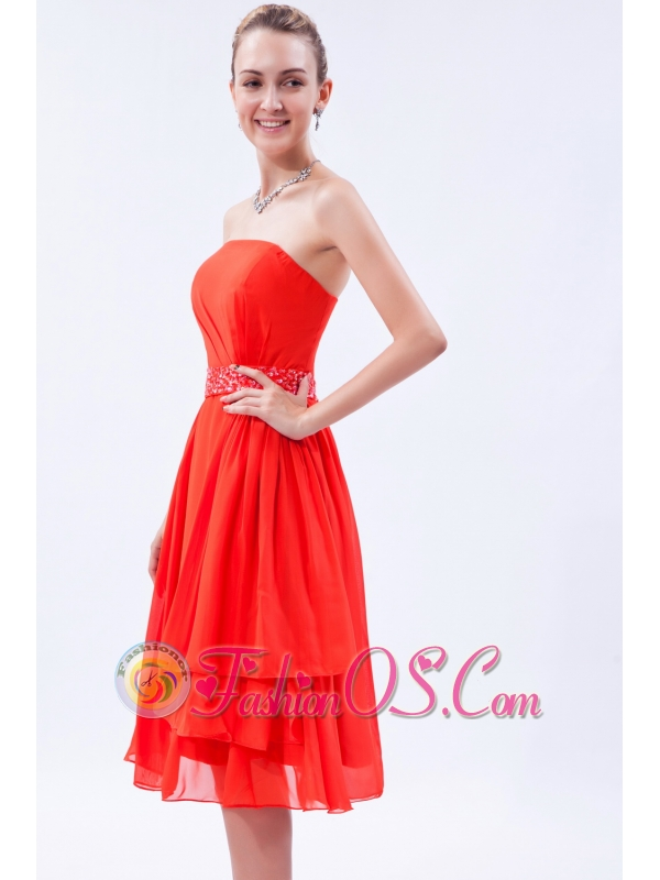 Red Empire Strapless Prom Dress Chiffon Beading Knee-length