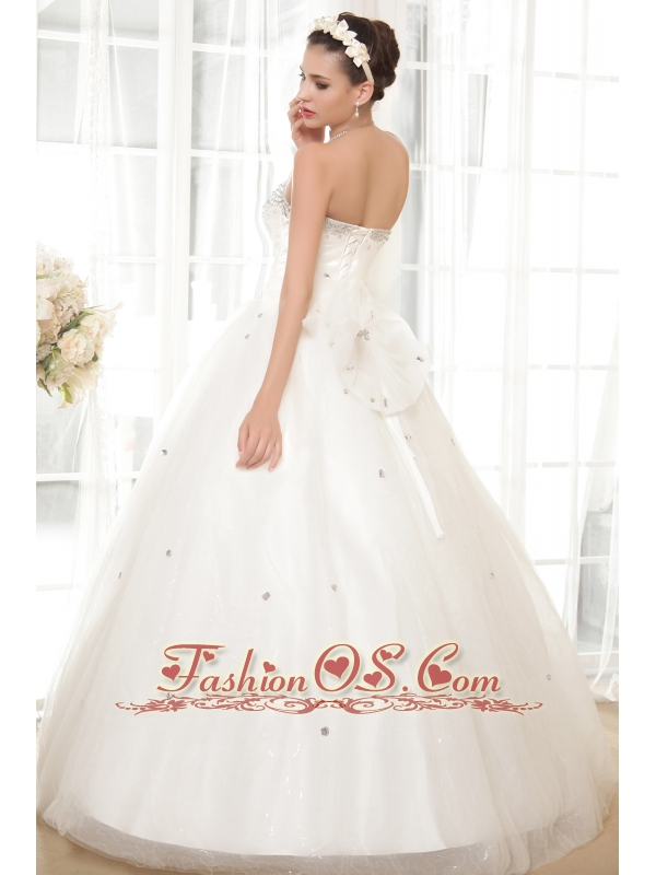 Beautiful A-line Sweetheart Floor-length Tulle and Taffeta Beading Wedding Dress