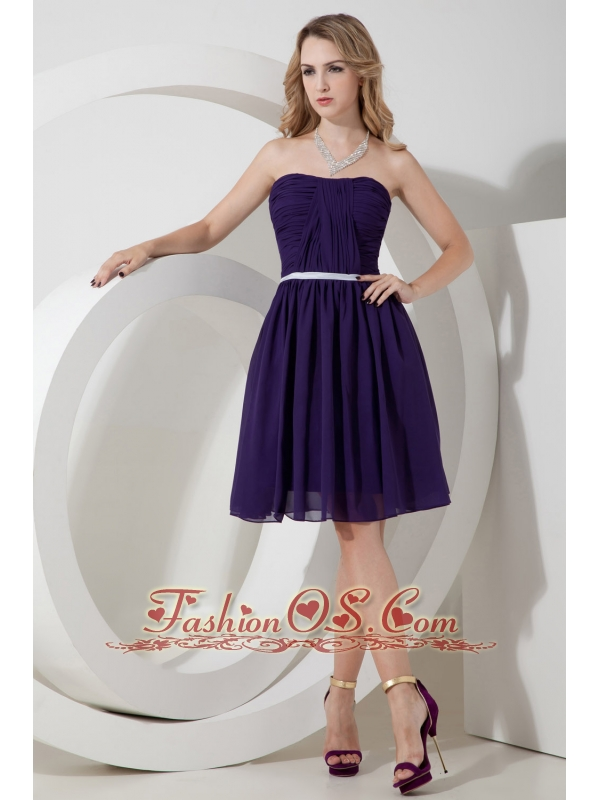 Purple A-line Strapless Ruch Bridesmaid Dress Knee-length Chiffon