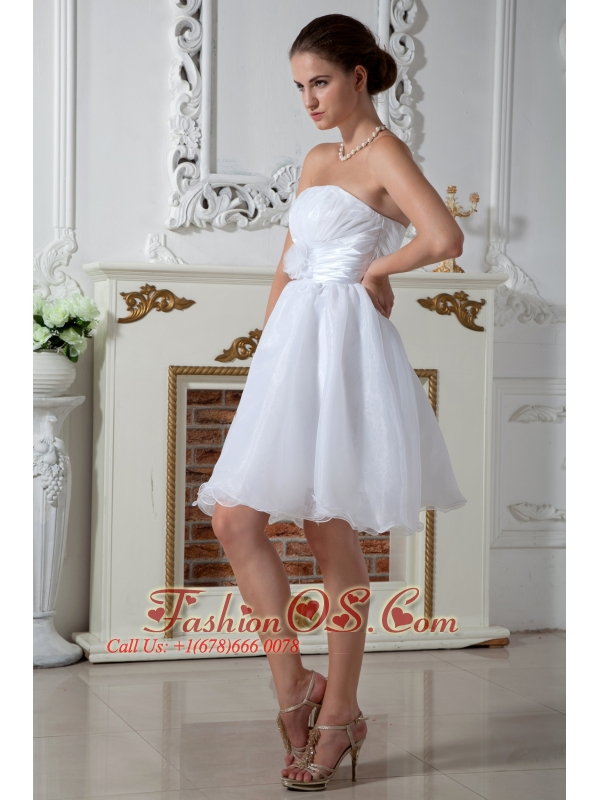 Pretty A-line Strapless Knee-length Short Wedding Dress Organza Hand Made Flower and Ruch