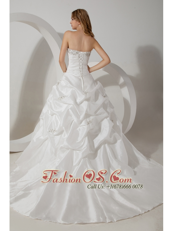 Romantic Ball Gown Strapless Wedding Dress Court Train Taffeta Beading