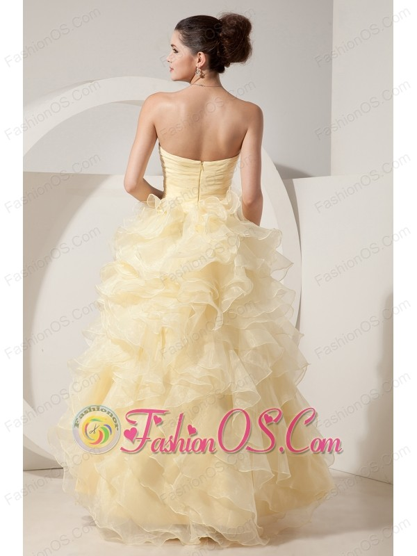 Beautiful Light Yellow A-line / Princess Prom Dress Sweetheart Beading Floor-length Organza