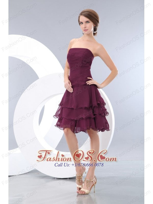 Cheap Burgundy A-line / Princess Strapless  Ruch Bridesmaid Dress Mini-length Chiffon