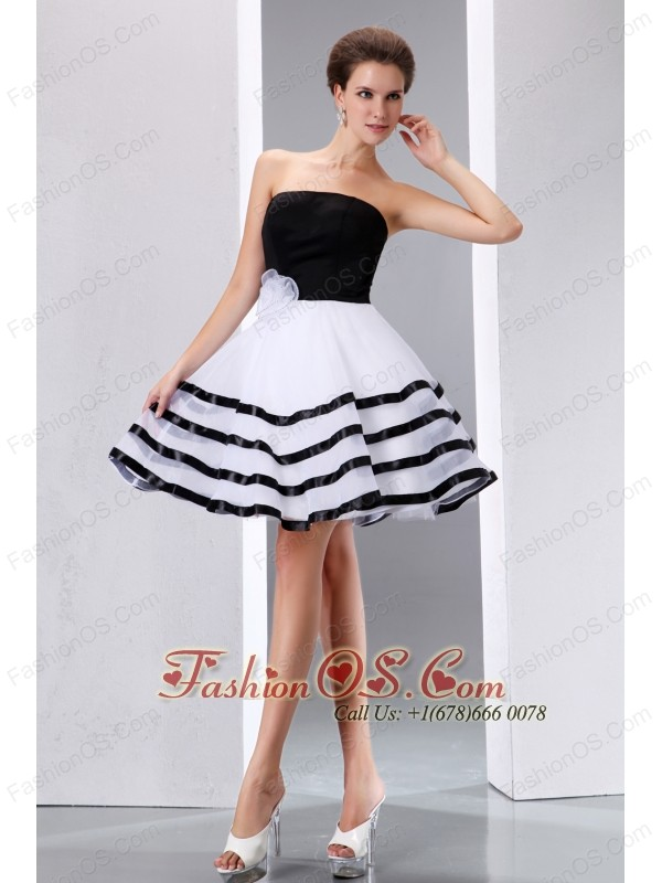 Cute Black and White Cocktail Dress A-line Strapless Hand Made Flower Knee-length Taffeta and Organza