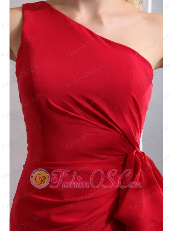 Elegant Red Column One Shoulder Bridesmaid Dress Floor-length Chiffon Ruch