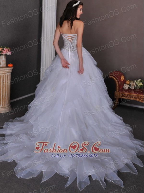 Beautiful Wedding Dress A-line Sweetheart Beading and Ruffles Chapel Train Organza