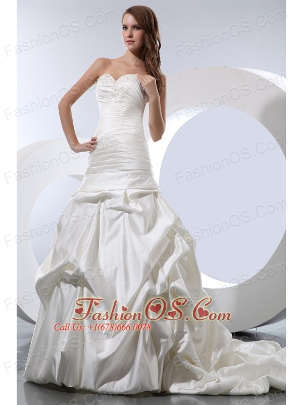 Gorgeous A-line Sweetheart Wedding Dress Taffeta Beading and Pick-ups Court Train
