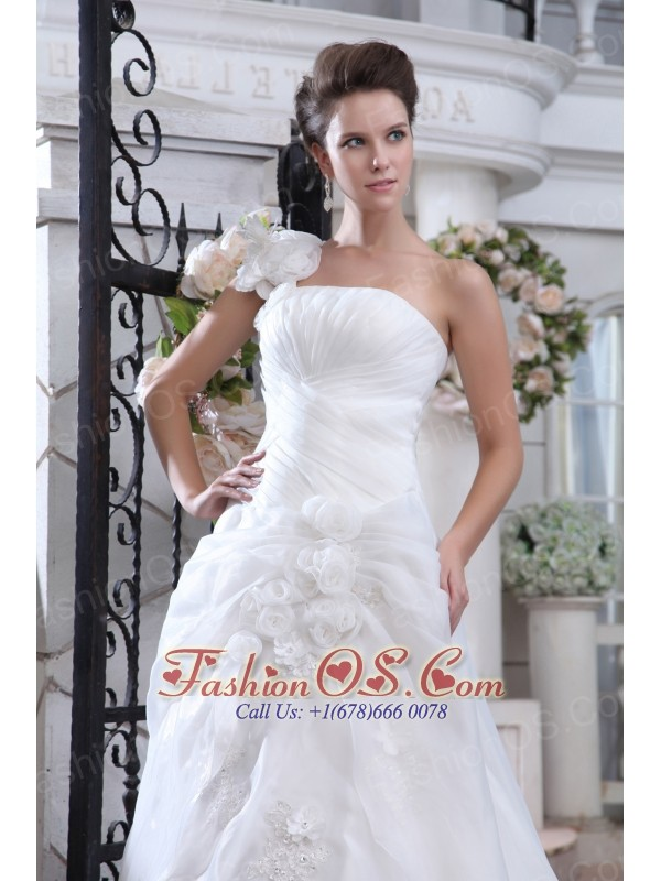 Pretty A-line One Shoulder Low Cost Wedding Dress Court Train Organza Ruch and Hand Made Flowers