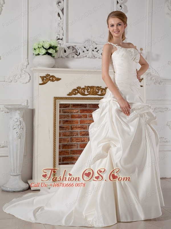 Elegant Wedding Dress A-line One Shoulder Appliques Court Train Taffeta
