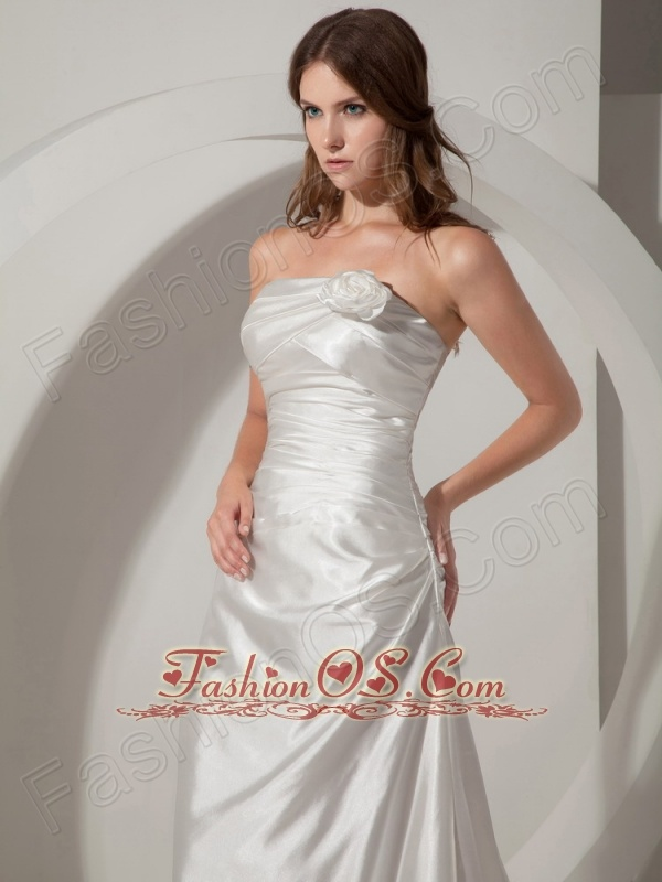 Low cost column sheath wedding dress strapless court for Low cost wedding dresses