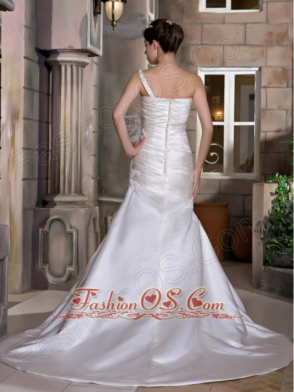 Modest A-line One Shoulder Wedding Dress Chapel Train Taffeta Appliques and Ruch