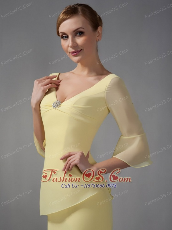Simple Yellow Mother Of The Bride Dress Column V-neck Ruch Ankle-length Chiffon