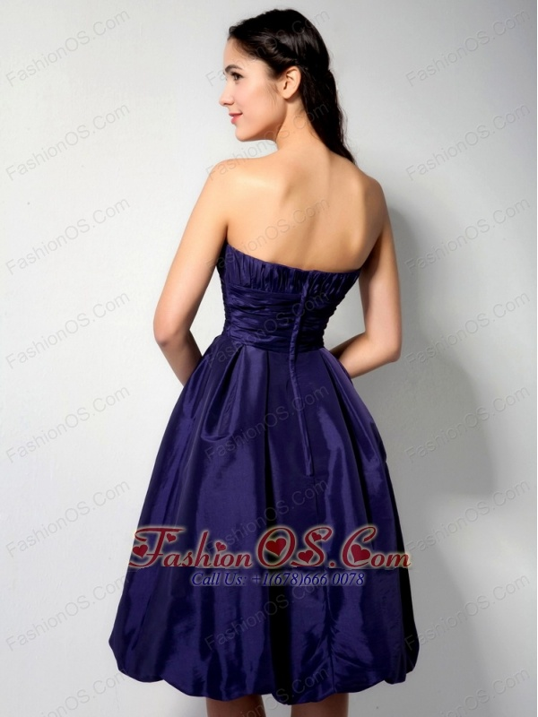 Modest Purple A-line Strapless Ruch Bridesmaid Dress Knee-length Taffeta