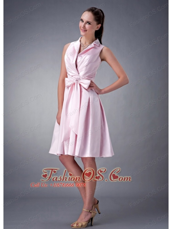 Romantic Baby Pink A-line / Princess V-neck Bridesmaid Dress Satin Ruch and Bow Knee-length
