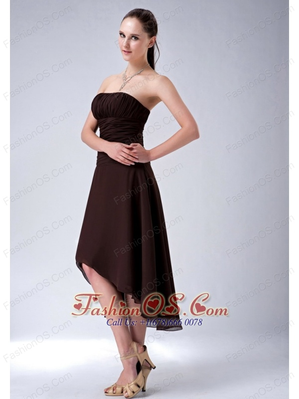 Simple Brown A-line / Princess High-low Bridesmaid Dress Strapless Chiffon Ruch
