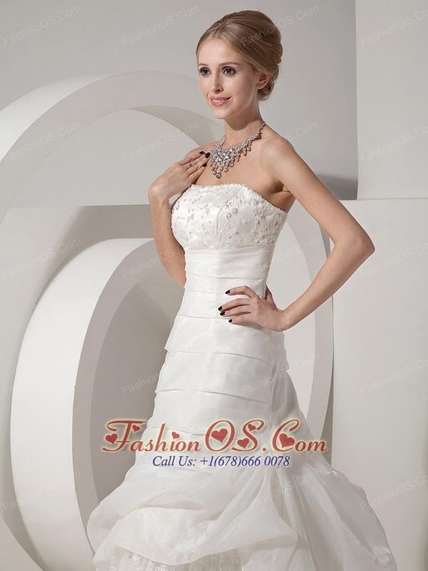 Beautiful A-line Wedding Dress Strapless Organza and Satin Appliques Chapel Train