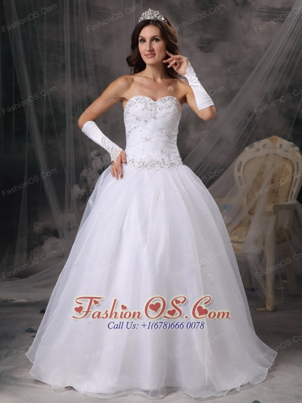 Elegant A-Line / Princess Sweetheart Wedding Dress Organza Beading Floor-length