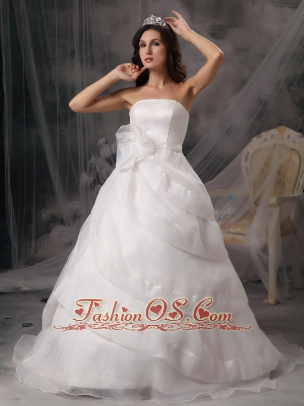 Affordable A-line Strapless Wedding Dress Organza Handle Flowers Court Train