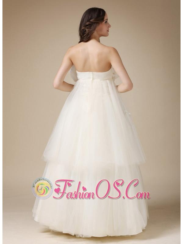 Custom Made A Line Strapless Low Cost Wedding Dress Taffeta And Organza Appli