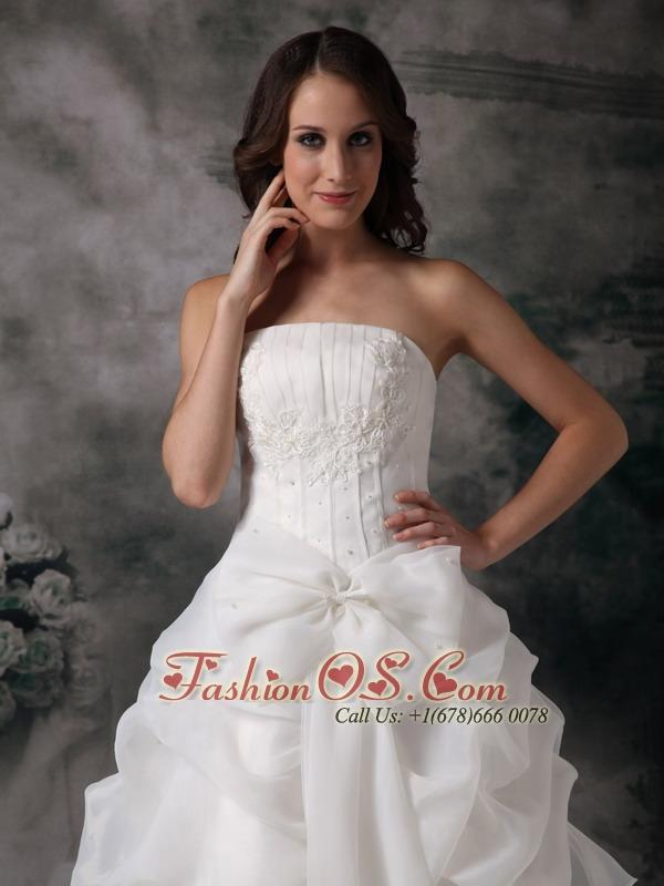 Custom Made A-line Strapless Wedding Dress Organza Appliques Floor-length