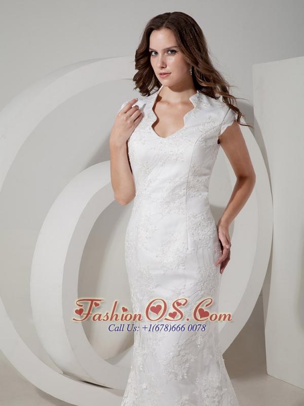 Fashionbale Mermaid V-neck Lace Wedding Dress Brush Train